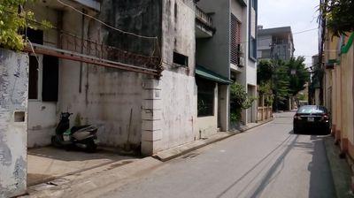 Chung cư mi ni cũ giá rẻ gần đường Ngô Gia Tự