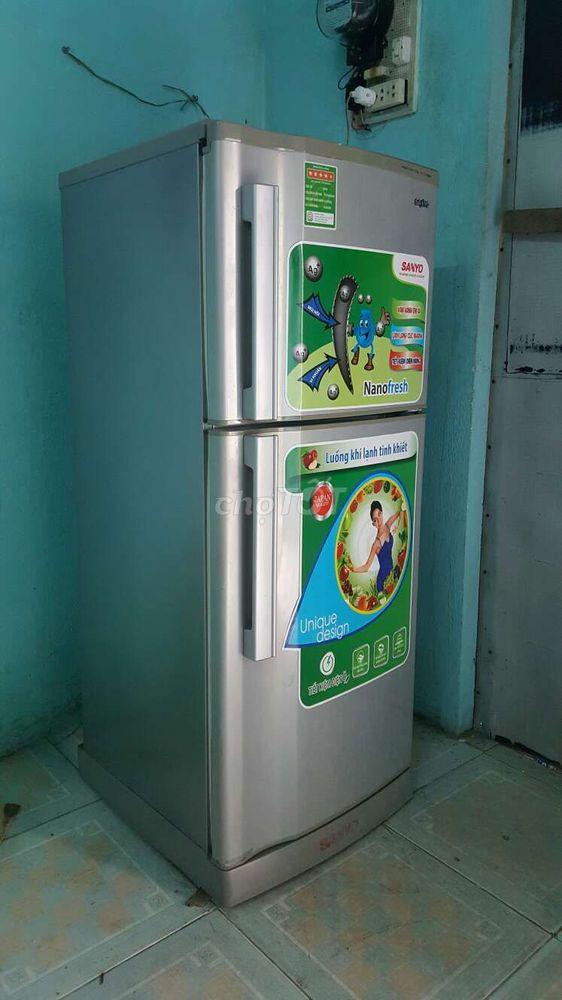 Trả phòng bán gấp tủ lạnh Sanyo 185 lít như hình