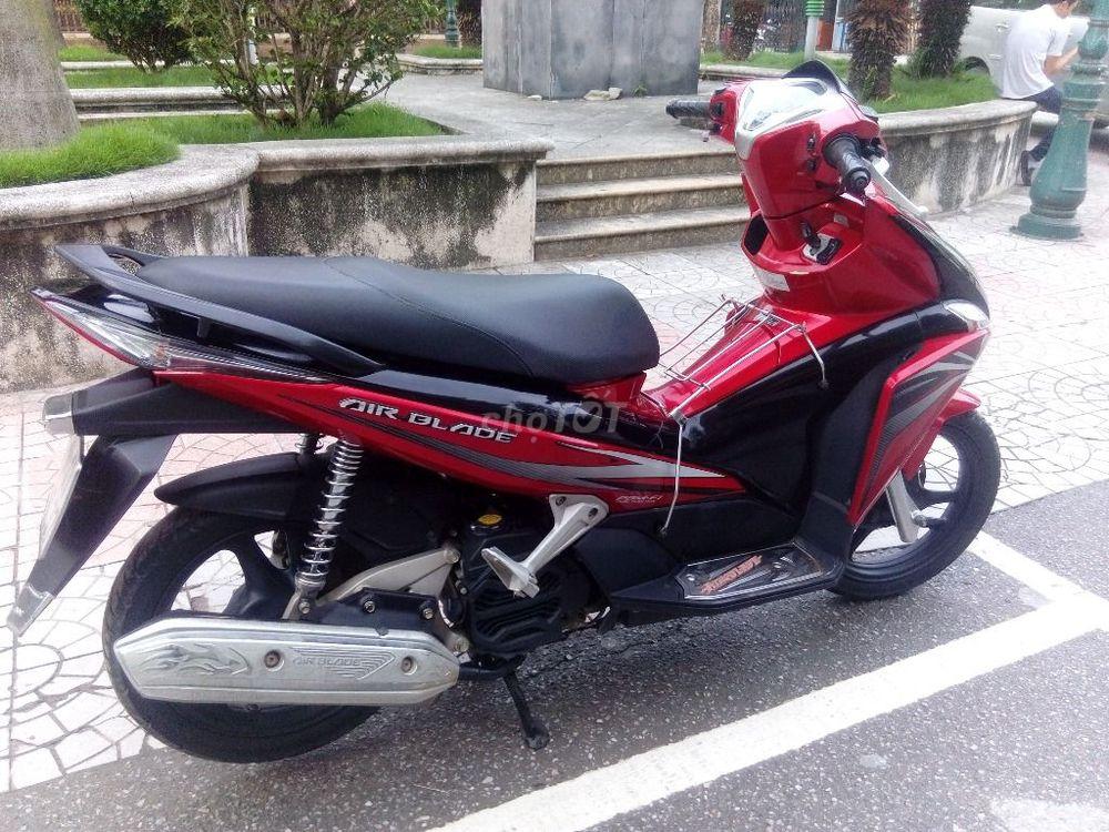 Air Blade đầu to màu đỏ đen chính chủ đời chót