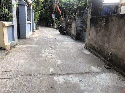 E Khai xuân Ra lò lô 102m2 xóm nhì Vân Nội