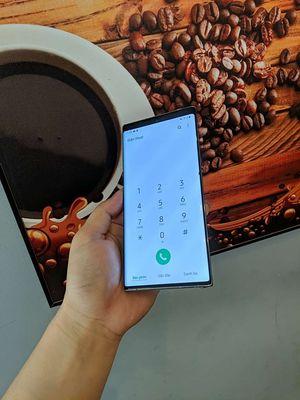 Samsung Note 10 Plus Bạc 256 GB chấm nhỏ cạnh phải