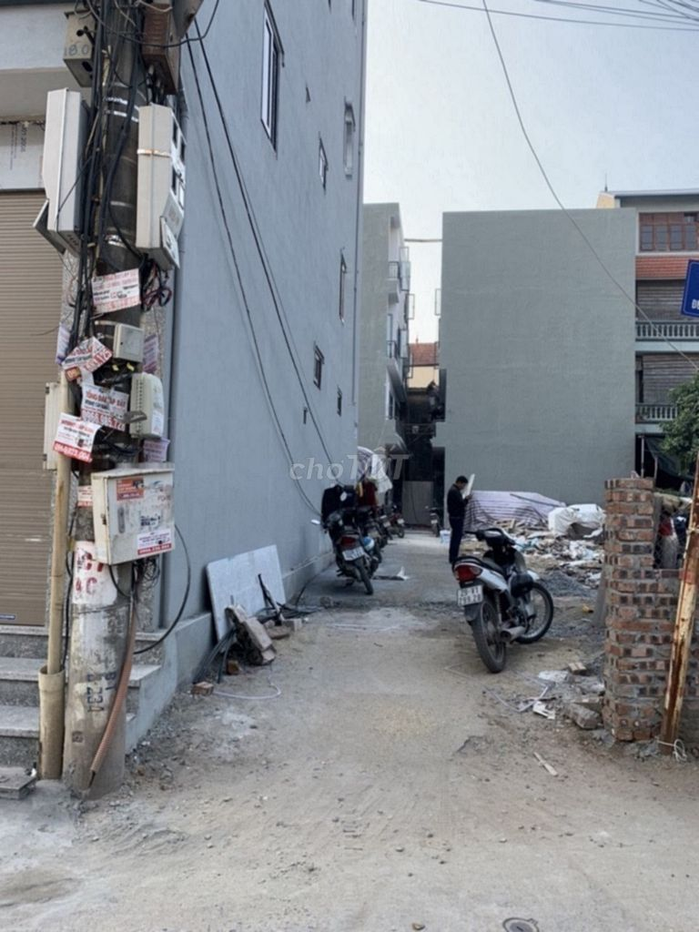 0367969777 - Nhà đẹp nguyên sân ô tô 5T+32m2 gần cấp 3 Lê Lợi