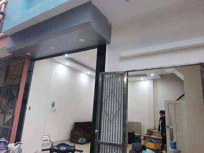 Nhà ngọc thụy oto đỗ cửa, 35m2, 4 tầng,giá 2.75 tỷ