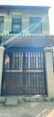 Nhà mặt tiền hẻm ,1 trệt lầu , gần chợ phú xuân.