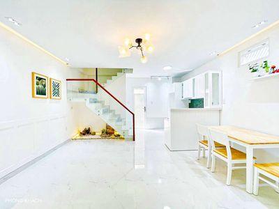Bán nhà Huỳnh Văn Bánh P11.25m2 nhà mới 4pn,4wc.5t
