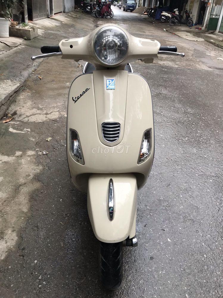 Piaggio Vespa 215