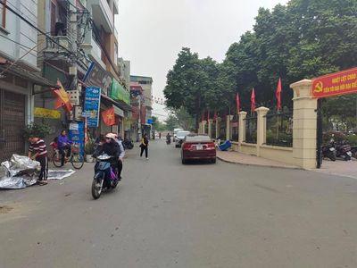 Nhà C4 Kim Giang 60m, MT 5m, Oto tránh, Kinh Doanh