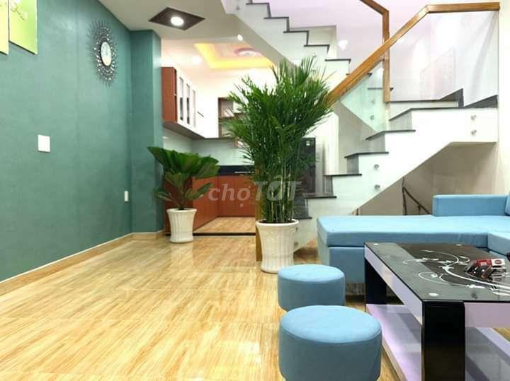 Nhà đẹp, tặng nội thất Quận Gò Vấp 68m²