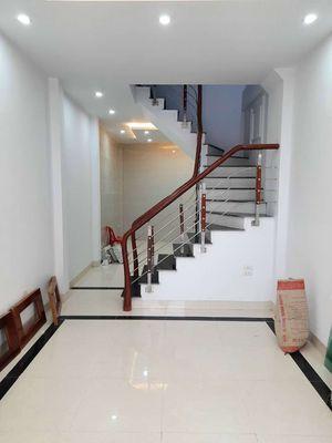 Nhà 4 tầng 4PN, DT 35m2 Thượng Thanh, Long Biên