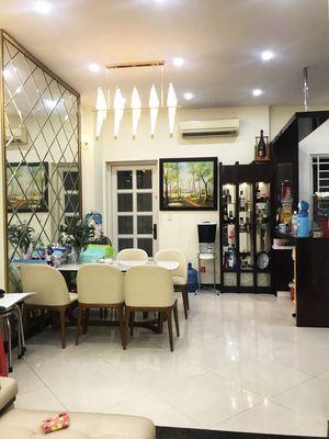 Bán Nhà QL13 HBP, Tặng Nội Thất, Dt54m2,Giá 5,3Tỷ