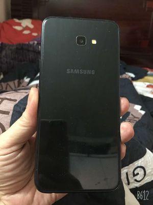 Bán Samsung J4 Plus màu đen 16 GB còn mới SD tốt
