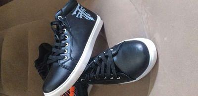 Giày thời trang nam cổ cao size 40 Mới
