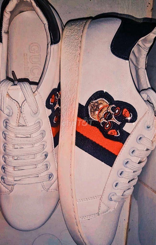 0584827638 - Giày bata trắng , size 39