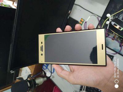 Sony Xperia XZ1 bán hoặc gl ngang tầm