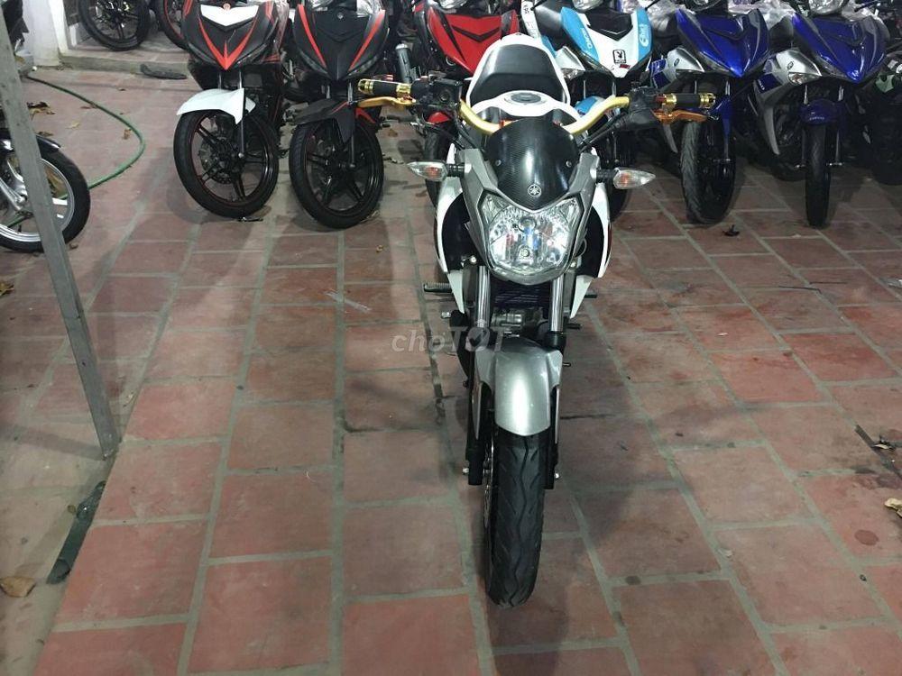 FZ 150i màu trắng đen sport , côn tay nhập khẩu