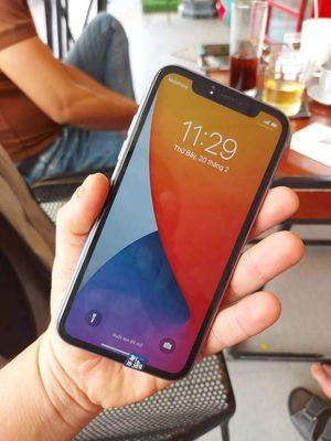 Apple iPhone 11 lock tim zin pin 95%