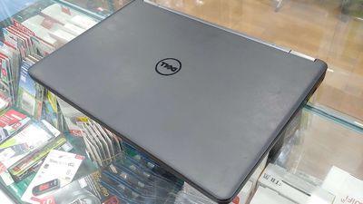 Dell Latitude E7450 Intel Core i5 8 GB 256 GB
