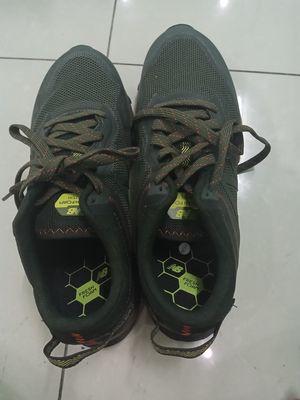 giày new balance xanh đậm vị trà