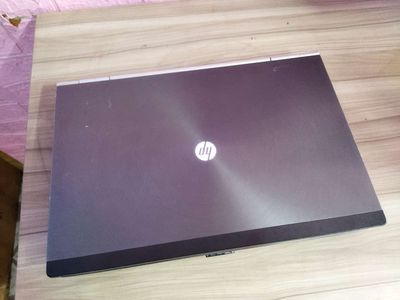 HP Elitebook Intel Core i7 4 GB 500 ssd