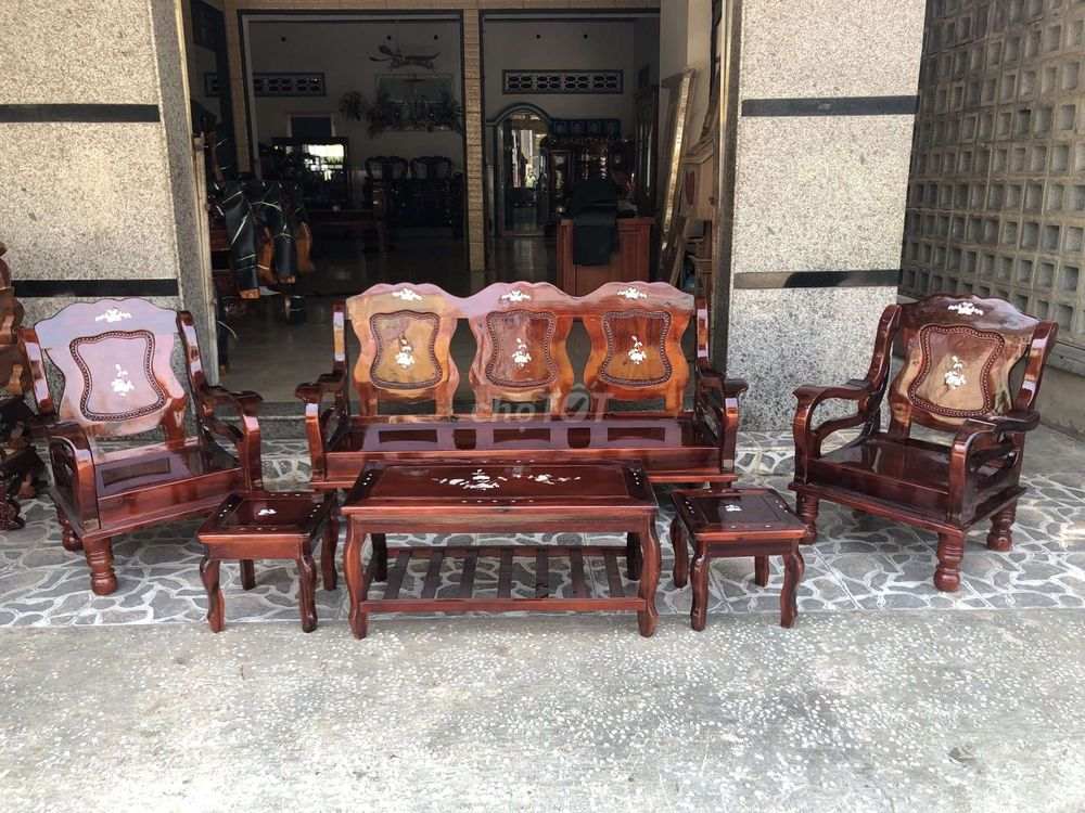Bàn ghế  gỗ phòng khách mã lai