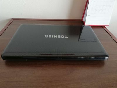 Laptop toshiba i5 thệ hệ 3