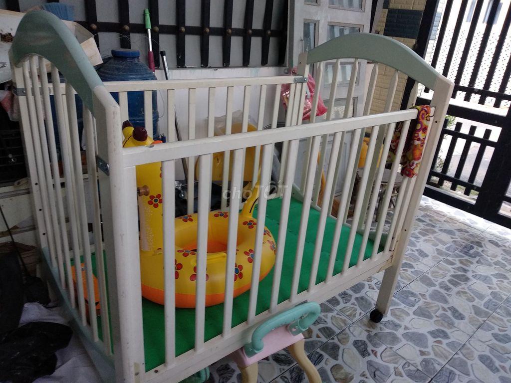 0919292736 - Quây gỗ cho bé ngủ và chơi, rất an toàn