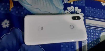 Xiaomi mi 8 máy mới còn 97%