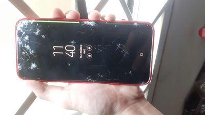 Galaxy S8 Plus bị bể màn hình