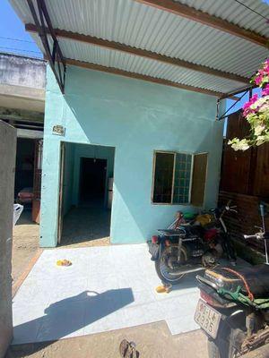 Nhà cấp 4 sổ riêng thổ cư cách chợ Bàu Cá 300m.