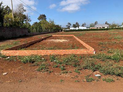 Chủ cần bán lô đất bên hông chợ sáng giá chỉ 620tr