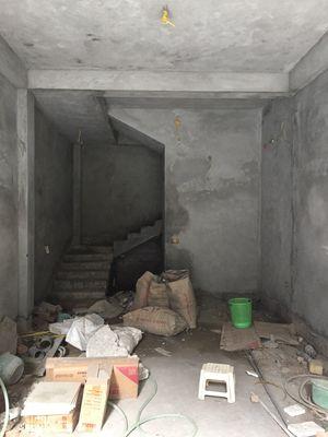 Nhà 28 m2 cao 4 tầng+1tum Trung tâm Mễ trì thượng
