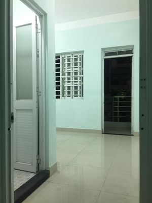 Phòng trọ giá tốt mặt tiền đường Phạm Văn Bạch, TB