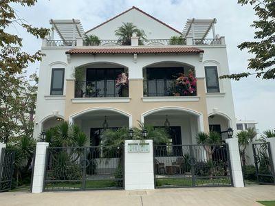 Bán nhà phố khu dộ thị Aqua City 6x20m Đồng Nai