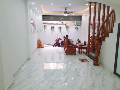 Bán nhà Vĩnh Hưng ngõ 2,5 m, 30 m ra phố nhà đẹp