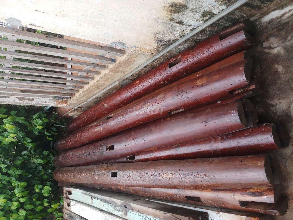0905004406 - Nhà gỗ cũ sơn lót pu.