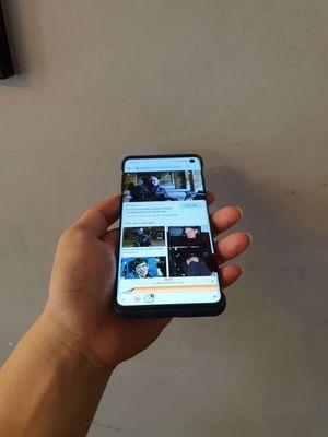 Samsung Galaxy S10 Đen 128 GB lưng nứt có ốp sẵn