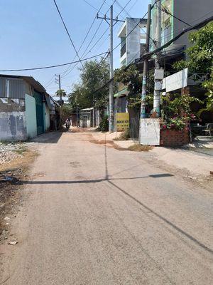 Nhà đỗ lững 100 m2 ,shr ,Lê Thị Dung