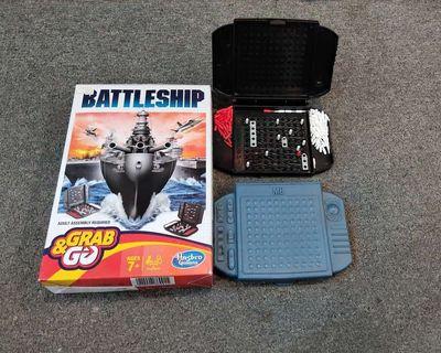 0888235112 - Bộ đồ chơi tàu chiến ít dùng full bộ