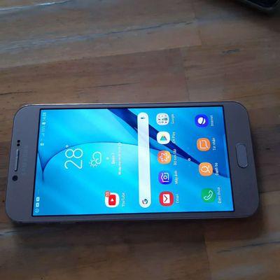 Ban Sámung A8 Ram 3G