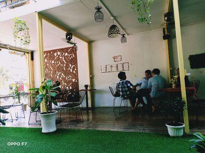 Sang quán cafe mặt bằng đẹp 200m2 đang kinh doanh