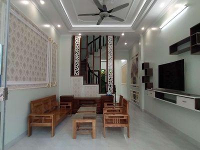 Nhà 3 tầng mặt đường Nguyễn Bính