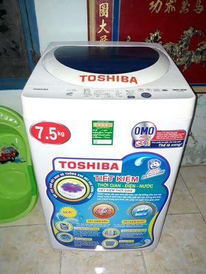 TÔSHIBA Máy giặt đời mới 7k50g gđ xài mới 94%%