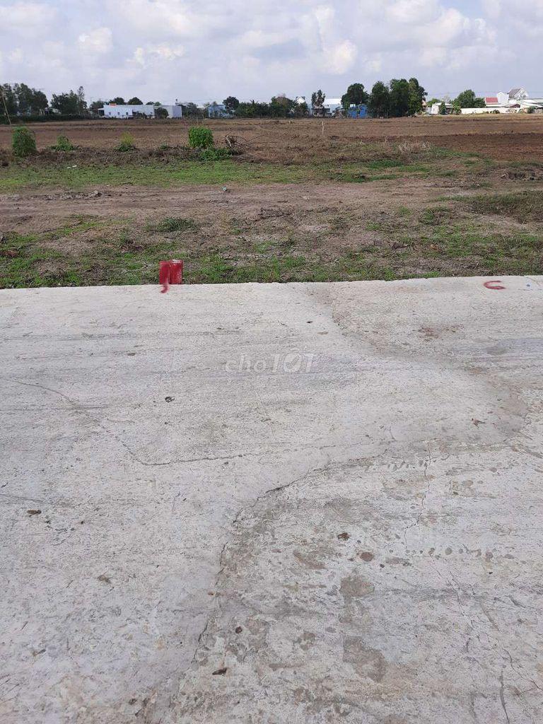 Bán đất hẻm xe hơi xã Long an