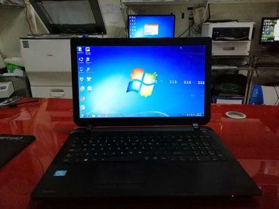 Laptop Toshiba i3, ram4g, ssd128g, học online OK..