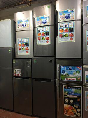 Tủ lạnh panasonic 152 lít, mới 90 %, hàng lướt