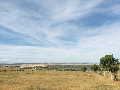 Đất view Bàu Trắng gần đường nhựa,chỉ 320tr/1000m2
