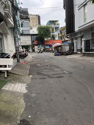 Nhà MT phố thời trang Nguyễn Trãi. 250m2, 6lầu