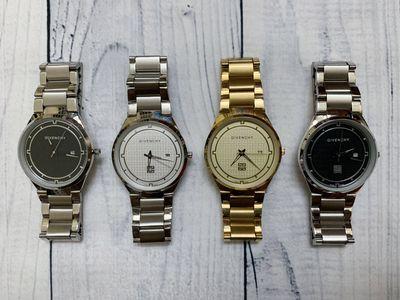 Đồng hồ nam dây inox, mặt kính sapphire, mới 99%.