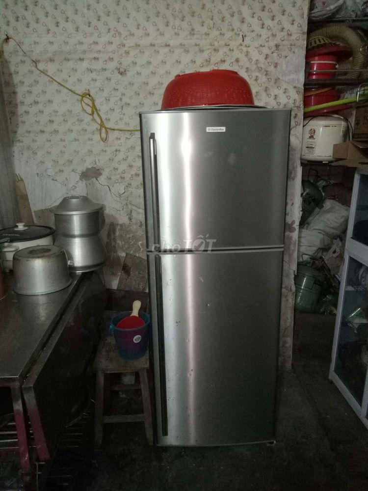Tủ lạnh Electrolux 290 lit