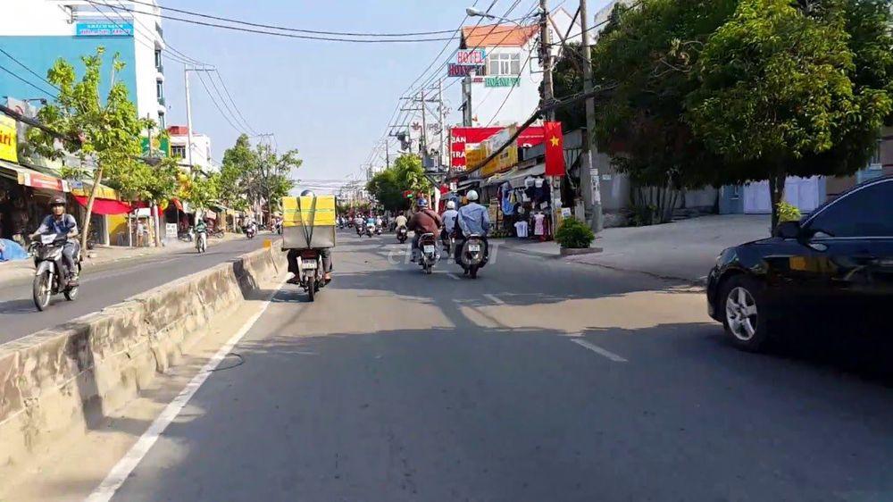 Bán gấp lô đất 2 MT Huỳnh Tấn Phát, SHR.